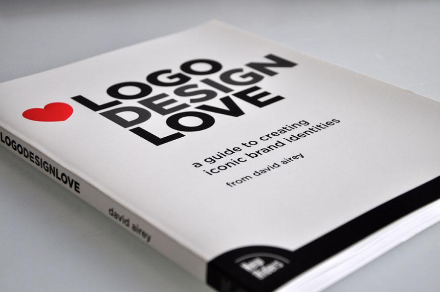 Logo Design Love Book Review Concept Dezain